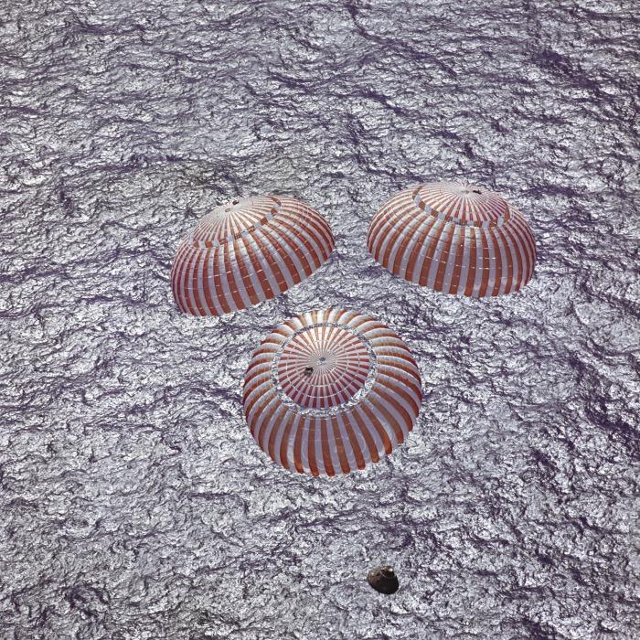space-capsule-854399_1920